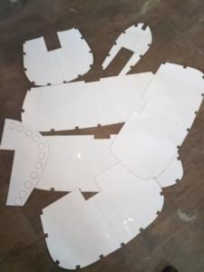 распечатанные и вырезанные секции стапеля каноэ